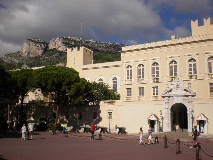 Place du Palais square and the Prince's palace