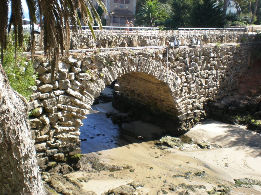 the stone bridge over the Atlantic