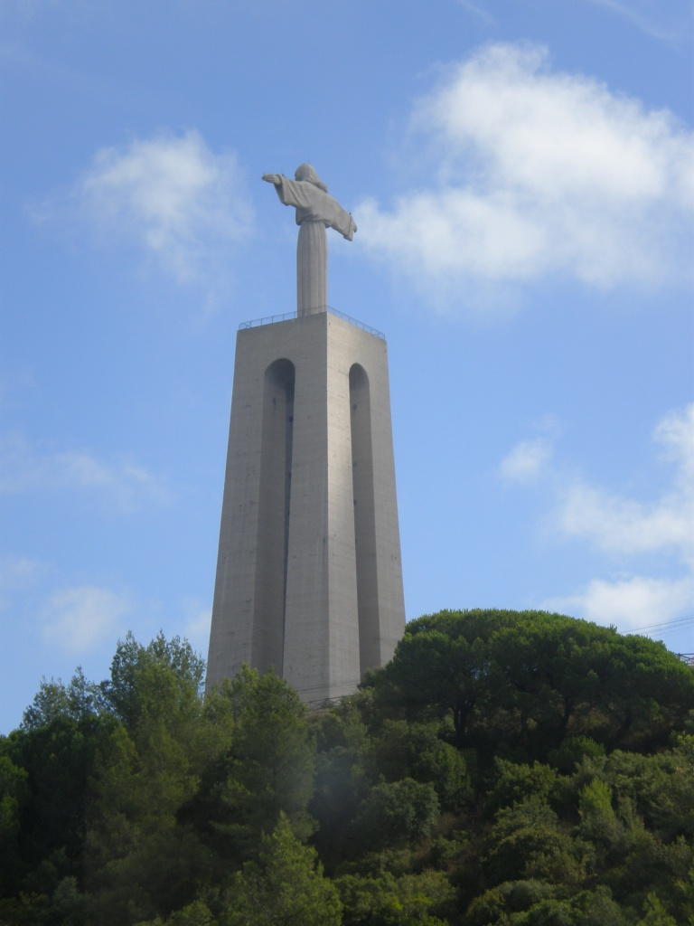 no, not a Jesus Christ sculpture from Rio de Janeiro, this one's in Lisbon