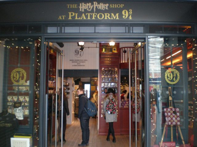 Harry Potter shop at King's Cross station