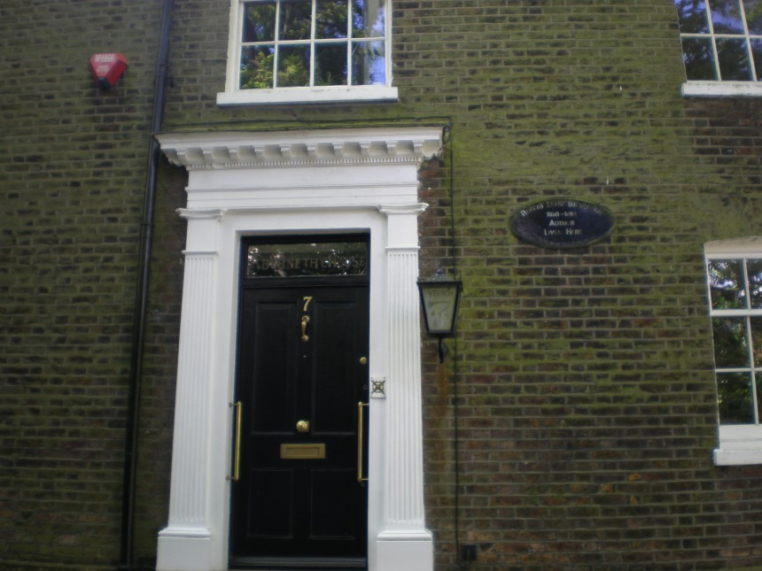 Robert Louis Stevenson lived here