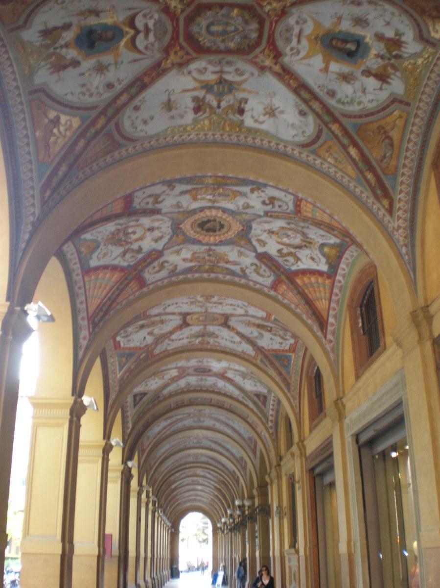 porticos in Bologna