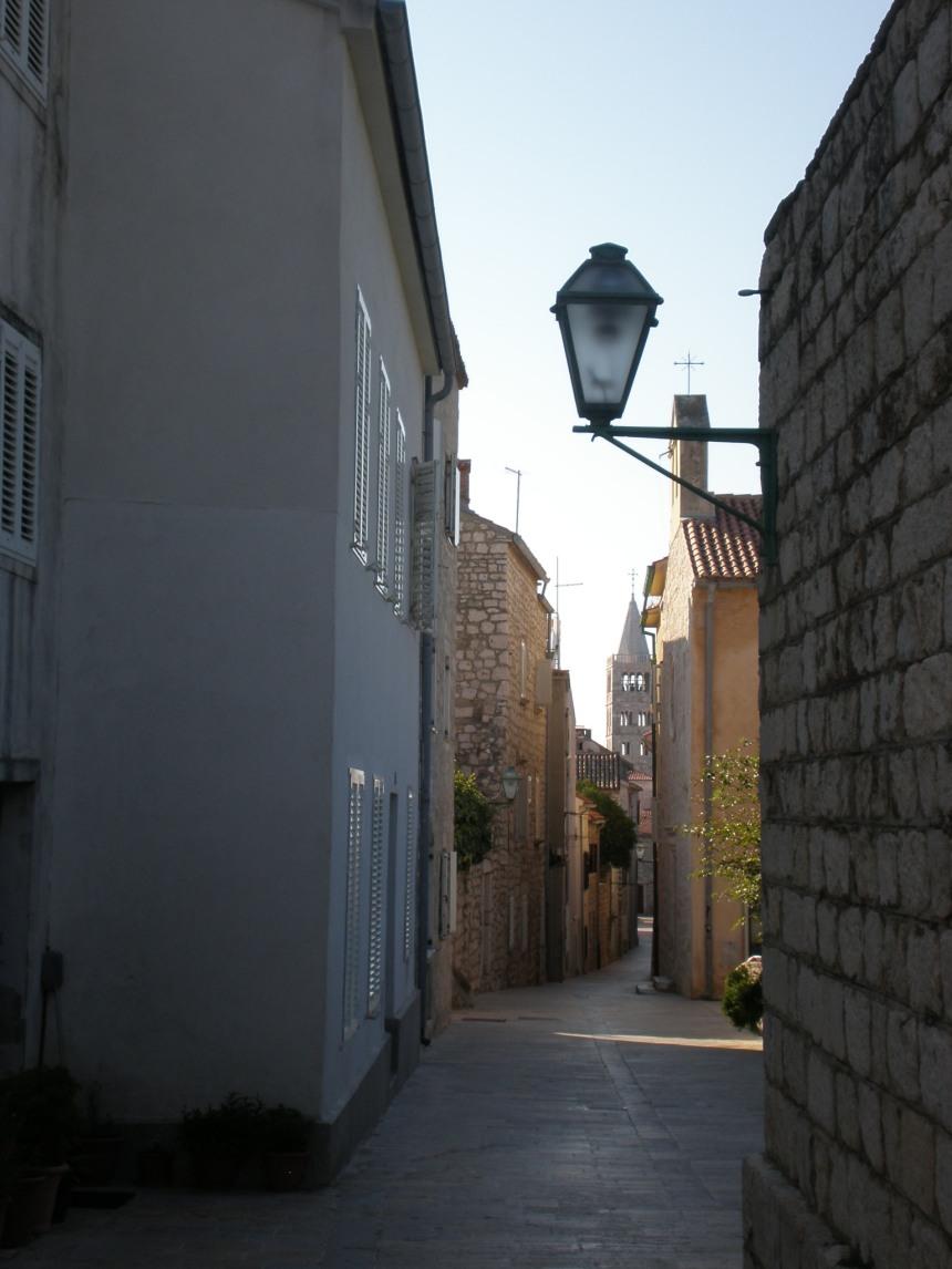empty streets around 9 am