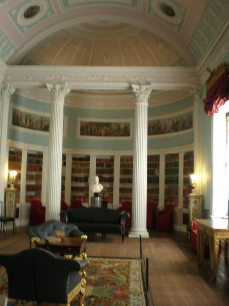 the library in Kenwood House