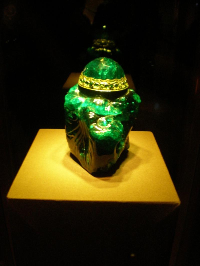 emerald vessel in Imperial Treasury Vienna