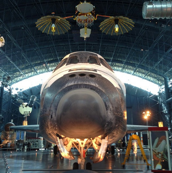 space-shuttle-discovery-roadunraveled