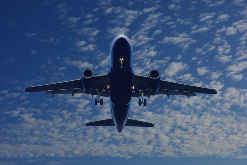 aircraft-1327820_960_720